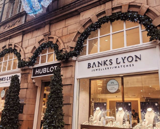 Banks Lyon Christmas - featured image