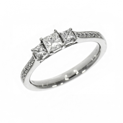 Platinum 0.61ct Princess cut Diamond Triology Ring