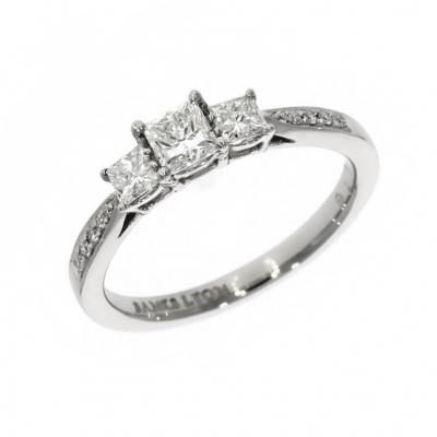 Platinum 0.30ct Princess cut Diamond Three Stone Ring