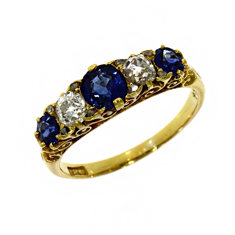 Pre Owned: 18ct Yellow Gold Diamond And Sapphire Carved Set Ring