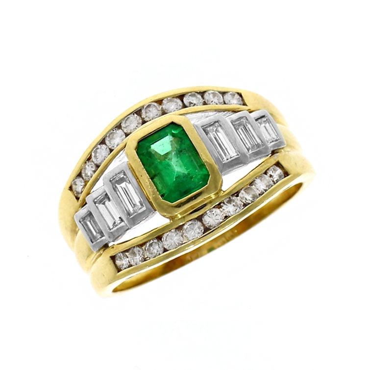 Pre Owned: 18ct Yellow Gold 1.00ct Emerald And Diamond Triple Band Dress ring