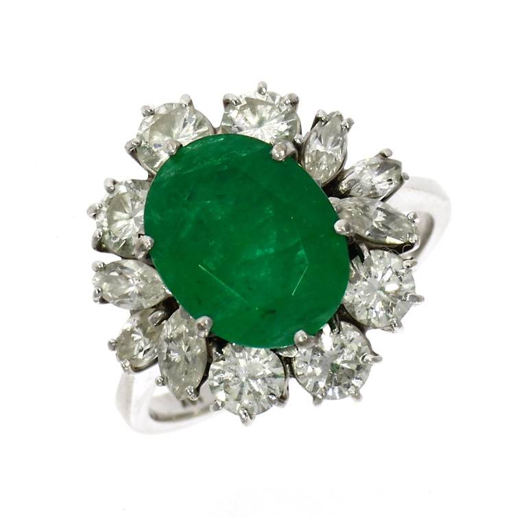 Pre Owned: 18ct White Gold Oval Cut Emerald And Diamond Cluster Ring