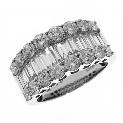 18ct White Gold 3.00ct Baguette and Brilliant Cut Diamond Ring