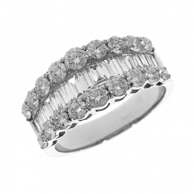 18ct White Gold 2.20ct Baguette and Brilliant Cut Diamond Ring